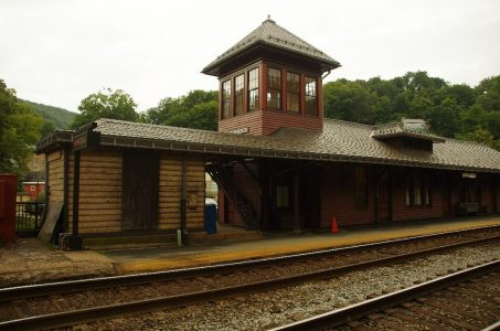 harpers_ferry_train_station-jpg